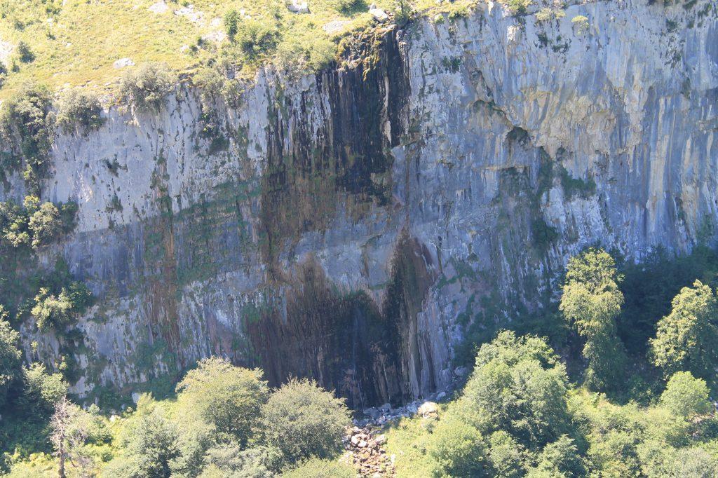 Cascada Asón con poca agua