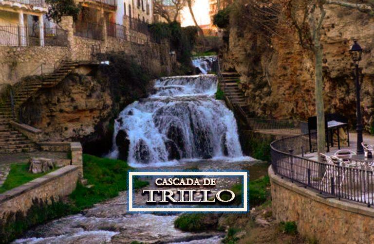 Cascada urbana del río Cifuentes en Trillo